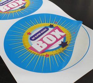 Sticker autoadhesivo redondo